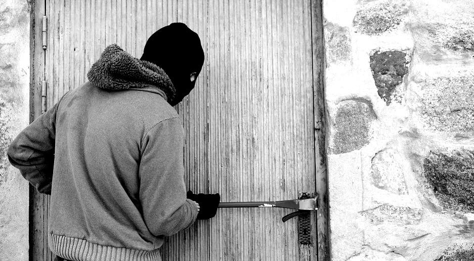 Ladrão usando tornozeleira invade casa no Centro de Guarapuava | RSN